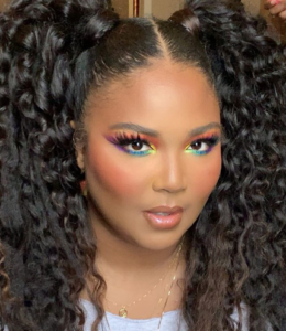 Well-known makeup artist Alexx Mayo says Lizzo decides which look she wants to go for depending on the emotions she feels each day.