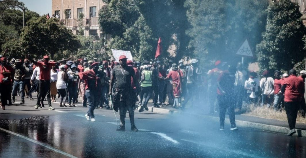 Police Disperse EFF Protestors With Teargas Outside Brackenfell High-SurgeZirc SA