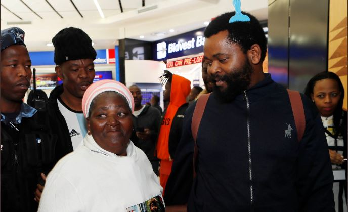 """Sjava Writes Birthday Note To His Mom """"No One Can Ever Take Your Place""""-SurgeZirc SA"""