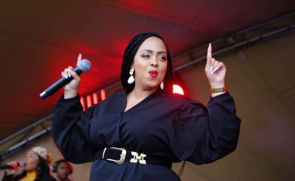 Gospel Star Mahalia Buchanan Is Engaged! See The Huge Ring Here-SurgeZirc SA