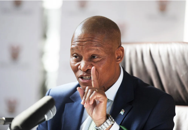 Judge Rules Chief Justice Mogoeng Must Apologise For 'I Love Israel' Comment-SurgeZirc SA