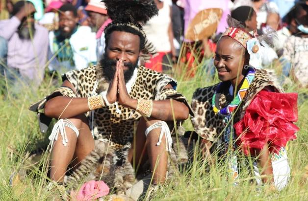 """Halala!!! Uzalo Star Sibonile """"Khathaza"""" Ngubane Finally Gets Married (Pics)-SurgeZirc"""