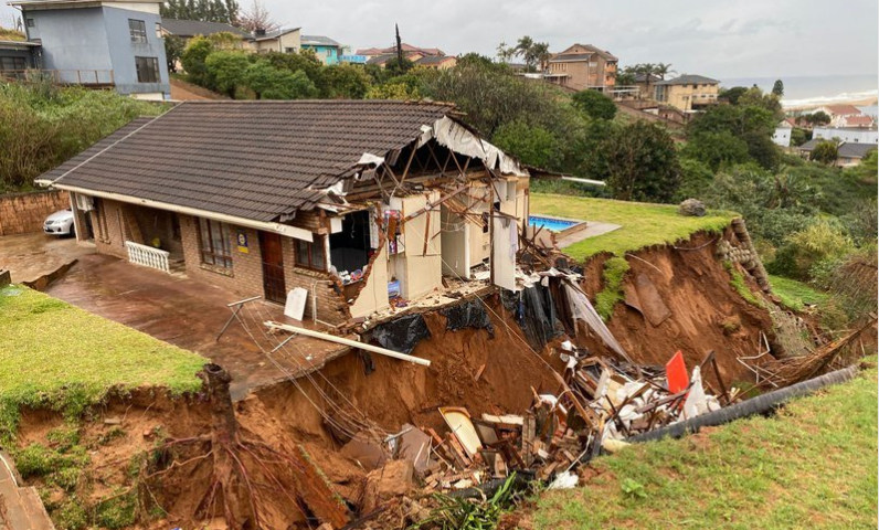 Watch  House Partially Collapses As KZN Heavy Rains Continue-SurgeZirc SA